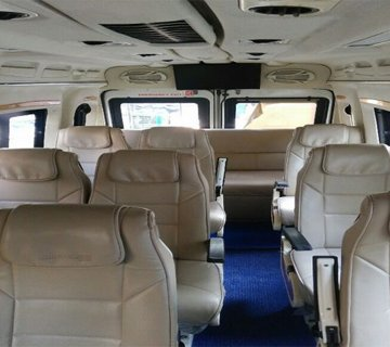 10 Seater tempo traveller in Jaipur